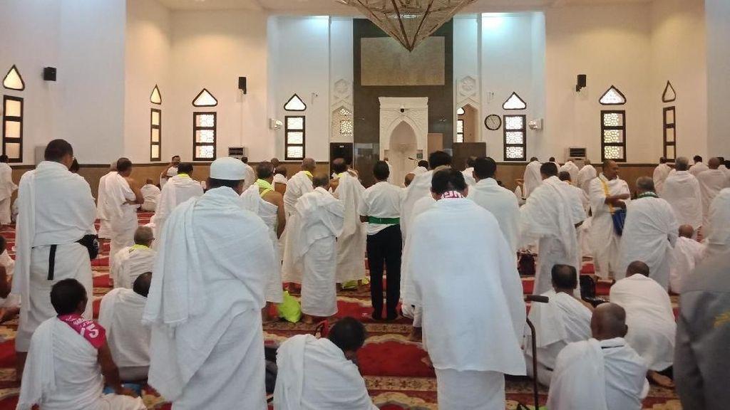 Rombongan Umrah Marbut DKI Mikat di Jiranah Sebelum ke Masjidil Haram