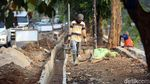 Melihat Pembangunan Trotoar di Jalan Chairil Anwar Kota Bekasi