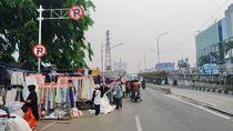 PKL Jajah Jalanan Senen, Pengguna Jalan Merasa Terganggu