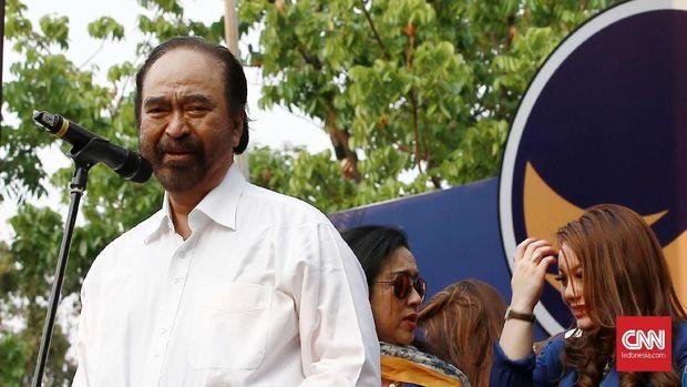 Ketum Partai NasDem Surya Paloh meminta 'adek' Ahok untuk belajar yang baik.