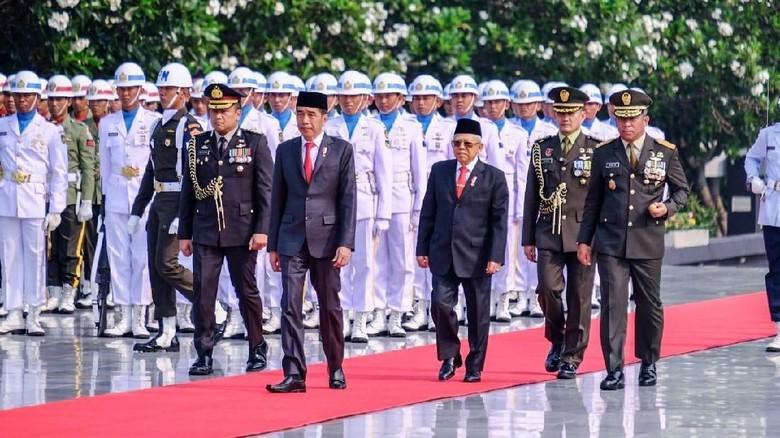 Kenang Jasa Pahlawan, Jokowi: Kewajiban Kita Berantas Kemiskinan-Kebodohan