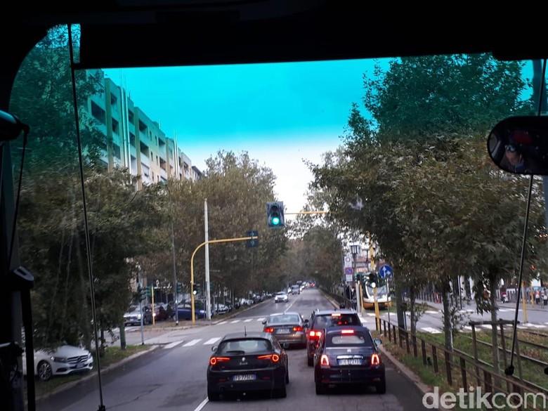 Jalanan Kota Milan, Masuk Kota Harus Bayar. Foto: M Luthfi Andika