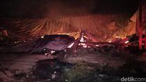 Gudang Kayu Sebelahan Pabrik Milik Jokowi Terbakar, Kerugian Rp 25 M