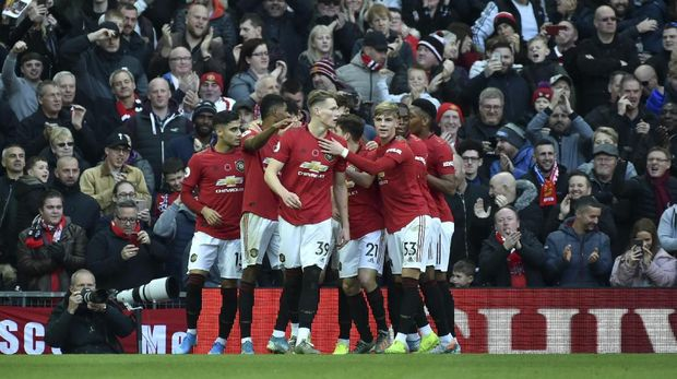 Manchester United terseok-seok musim ini. (