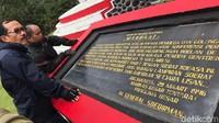 Di Monumen Pacekke, terdapat prasasti berisi mandat Panglima Besar TRI Jenderal Soedirman pada Panglima Perang Sulawesi Mayjen (purn) Andi Matalatta, untuk membentuk TRI Sulawesi, pada 29 Maret 1946. (Muhammad Nur Abdurrahman/detikcom)
