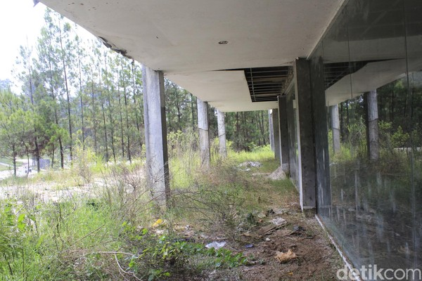 Bagian food and convention hall yang sudah rusak (Yudha Maulana/detikcom)