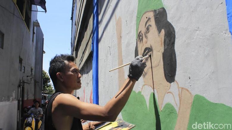 Semarak Hari Pahlawan Lewat Seni Mural di Cimahi