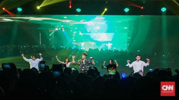 Pemenuhan Janji Sung Hoon 'Menggila' Bersama Fan di Jakarta