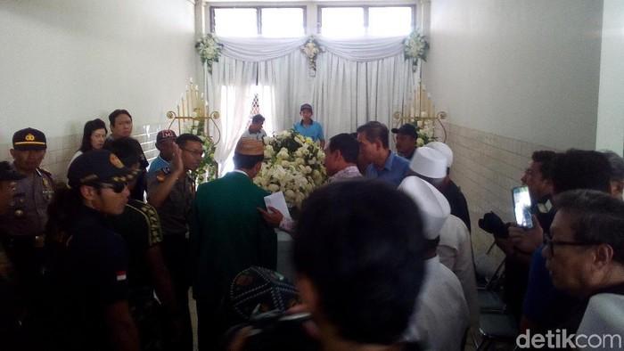 Peti jenazah Feddy di Kudus. (Foto: Akrom Hazami/detikcom)