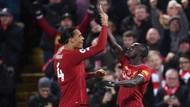 Jalan Masih Panjang, Fans Liverpool Menahan Diri