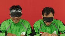 Cicip Makanan dengan Mata Ditutup, Begini Reaksi Kocak Driver Gojek
