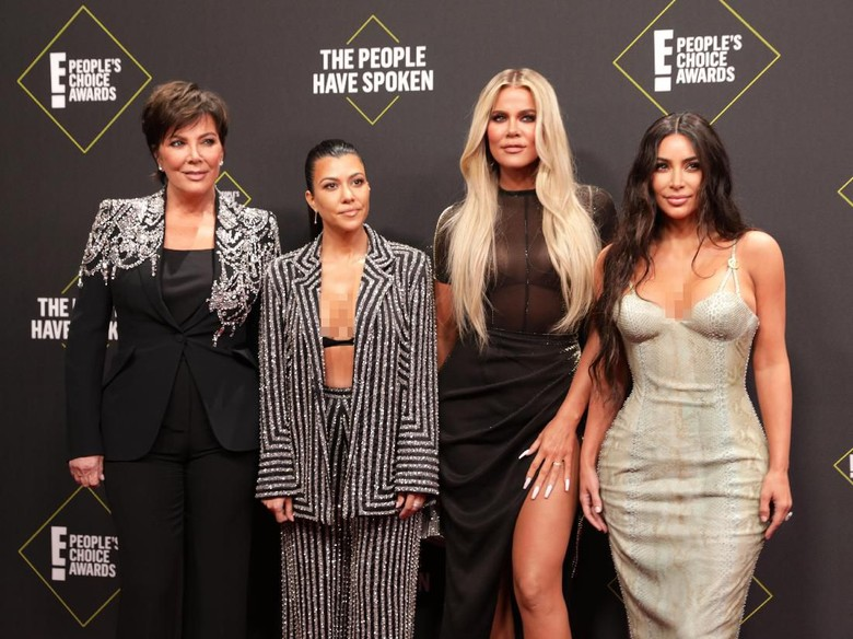 Kardashian kembali jadi sorotan. Foto: REUTERS/Monica Almeida