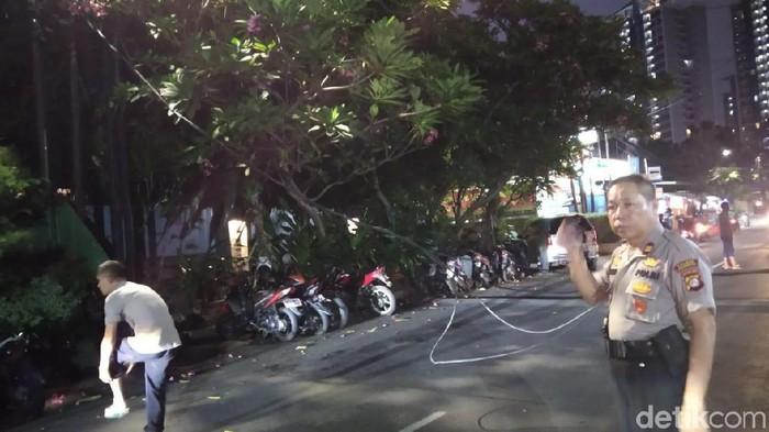 Foto: Kabel putus di depan Polsek Cilandak (Wilda/detikcom)