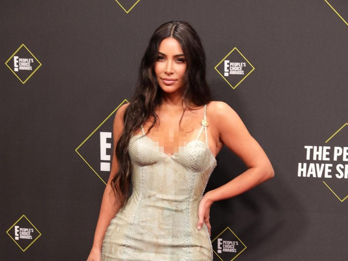 Peoples Choice Awards - Arrivals - Santa Monica, California, U.S., November 10, 2019 - Kim Kardashian. REUTERS/Monica Almeida