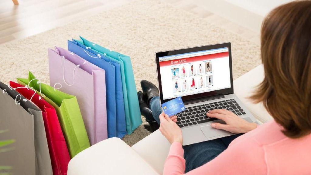 Belanja Online Tetap Bisa Ikut Tren Fashion & Aman, Simak Ulasannya!