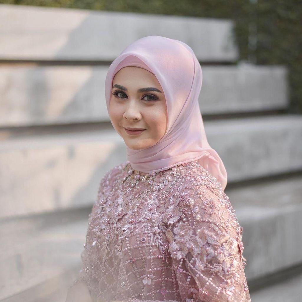 Kesha Ratuliu Tak Sangka Single Perdana Tak Mau Berubah Diterima Baik