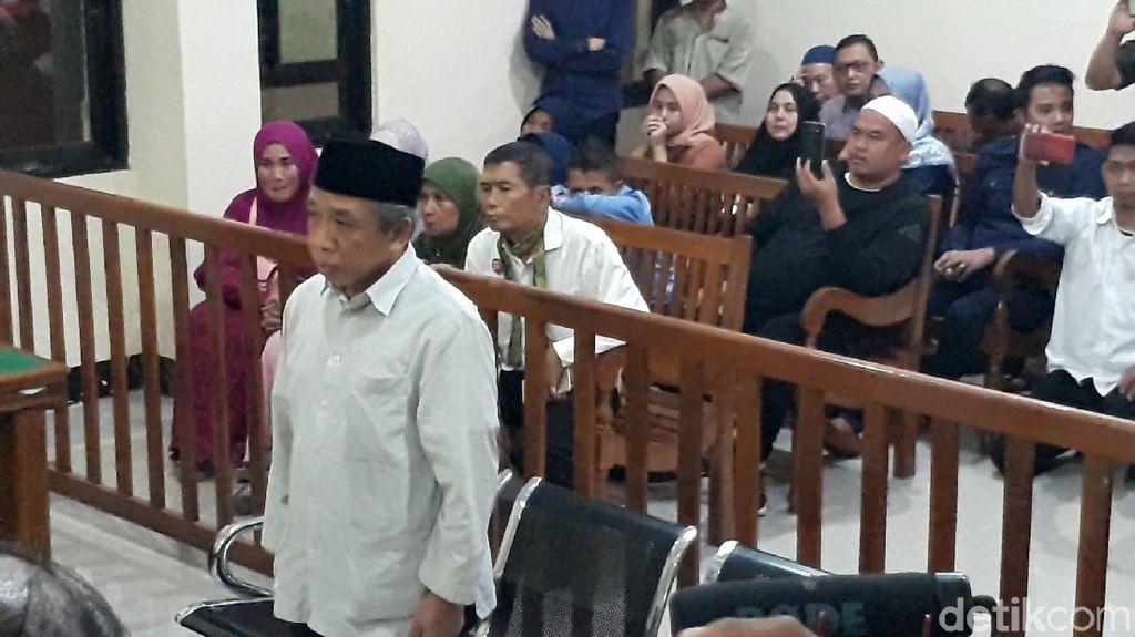 Palsukan Keterangan Lulus, Pelawak Qomar Divonis 17 Bulan Penjara