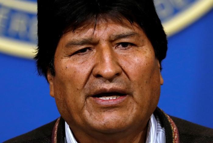 Bolivias President Evo Morales addresses the media at the presidential hangar in the Bolivian Air Force terminal in El Alto, Bolivia, November 10, 2019. REUTERS/Carlos Garcia Rawlins