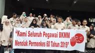 Dokter-Perawat Balai Kesehatan Mata Makassar Demo Tolak Permenkes
