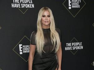 Pamer Perut Rata, Khloe Kardashian Bantah Hamil Anak Kedua