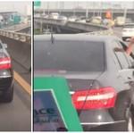 Tak Beri Jalan Ambulans, Sopir Mercedes-Benz Ini Malah Acungkan Jari Tengah