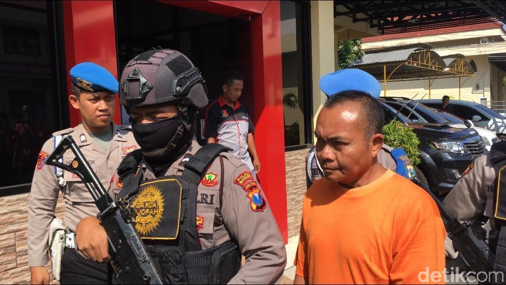 Polisi Gerebek Usaha Pengolahan Ayam Tiren di Mojokerto