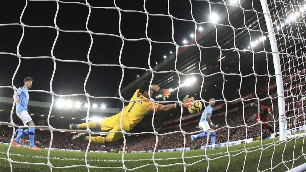 Liverpool Libas Man City dalam Duel Panas di Anfield
