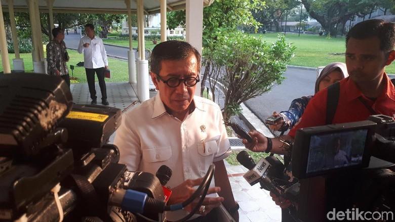 Yasonna Tepis Habib Rizieq soal Surat Cekal Masuk Indonesia