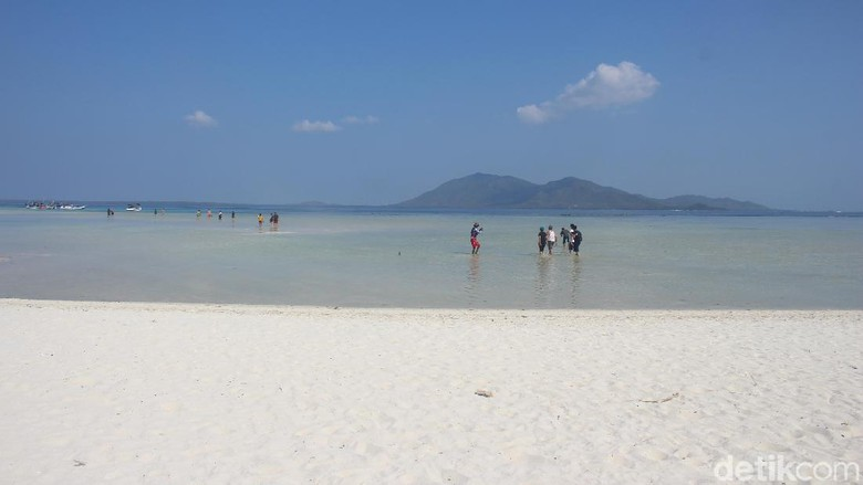 Selamat datang di Pulau Cemara Besar, Karimunjawa (Wikha Setiawan/detikcom)