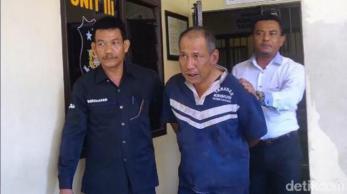 Pelaku pembunuhan wanita penjaga warung di Pemalang. (Robby Bernardi/detikcom)