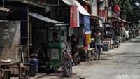 Permukiman kumuh di kawasan Jakarta menjadi salah satu persoalan yang terus dicari solusinya oleh Pemprov DKI Jakarta.
