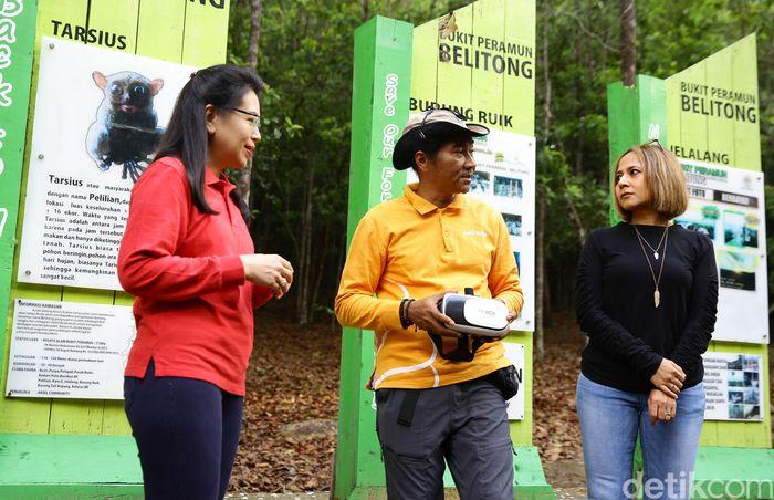 Desa Bukit Peramun sejak 2018 dan telah dikenal sebagai desa berbasis digital, karena keberhasilan pengurus desa dalam mengaplikasikan sistem QR Code untuk memperkenalkan jenis dan manfaat tanaman di bukit Peramun, dan virtual guide dalam dua bahasa (Indonesia dan Inggris).