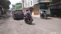 Jalan GB Joshua Medan Banyak Lubang, Warga Mengeluh