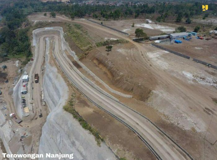 Untuk memperlancar aliran Sungai Citarum di wilayah Curug Jompong, Kabupaten Bandung, Kementerian PUPR melalui Direktorat Jenderal (Ditjen) Sumber Daya Air tengah menyelesaikan pembangunan Terowongan Nanjung. Istimewa/Dok. Kementerian PUPR.