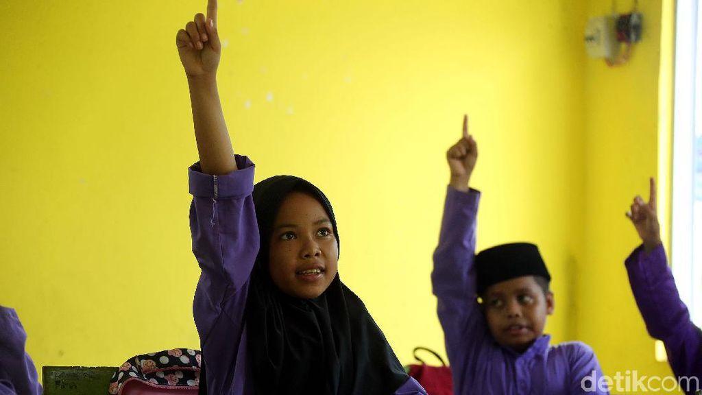 Potret Anak-anak di Tapal Batas Indonesia Menggapai Cita-cita