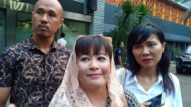 Dipolisikan Tetangga Novel, Dewi Tanjung: Nggak Bikin Jantung Saya Copot