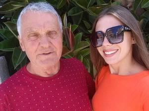 Model 21 Tahun Ceraikan Suami 74 Tahun Demi Pacari Pria Lebih Muda