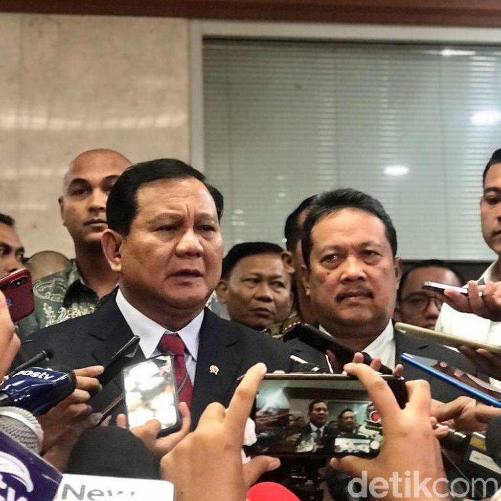 Prabowo Panen Sindiran dalam Rapat Perdana di Senayan