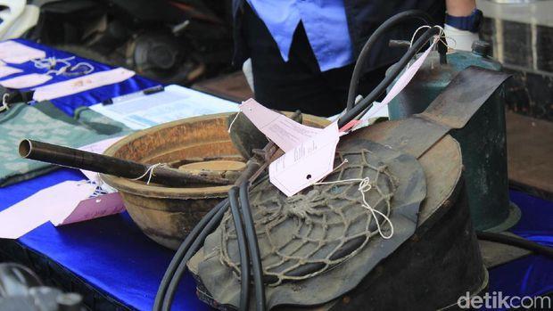 Rampok Emas di Bandung Barat, AJ Bekap Korban Pakai Celana Dalam