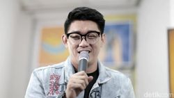 Ifan Seventeen Jadi Vokalis Padi Reborn