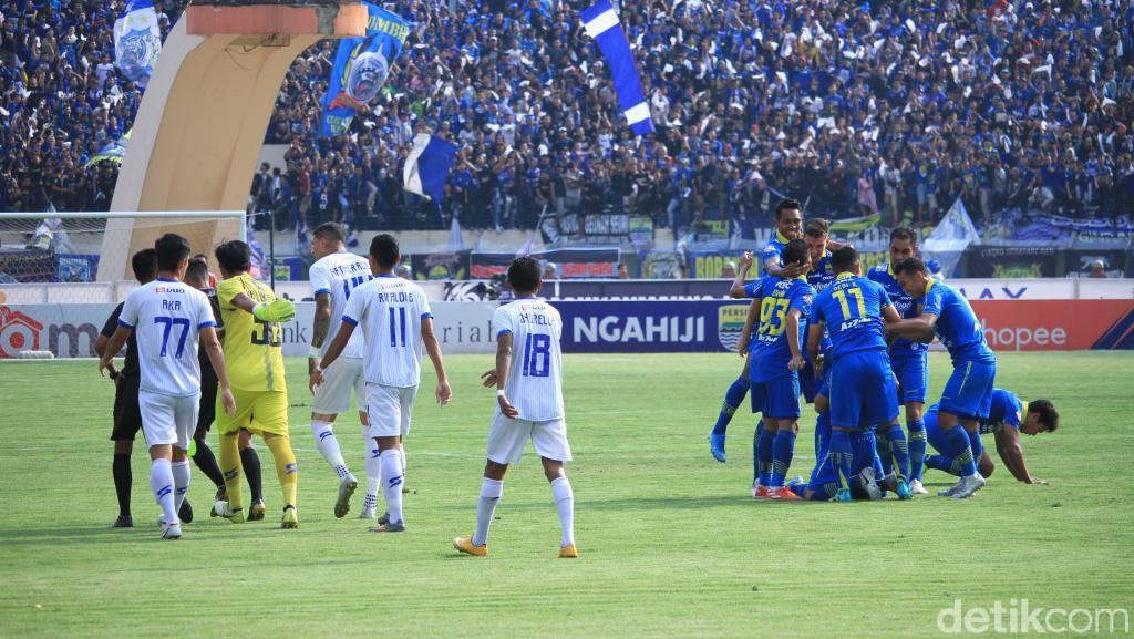 Jadwal Liga 1 2020 Belum Jelas, Pelatih Persib Bandung Heran