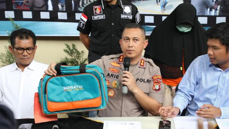 Bos Travel Umrah yang Tipu Puluhan Calon Jemaah Jaring Korban di Pengajian
