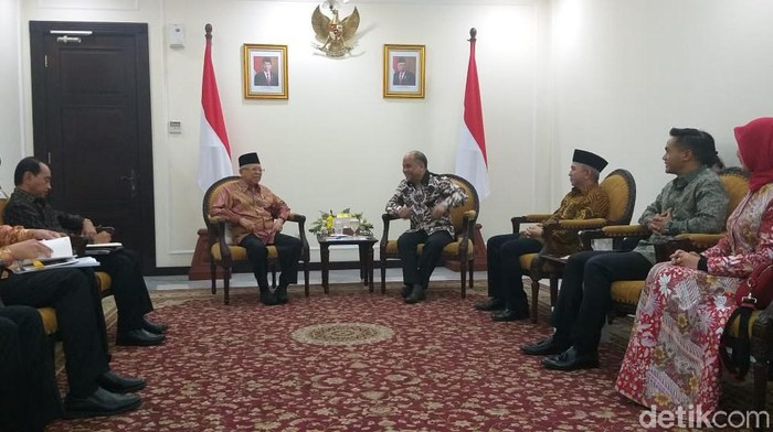Ilham Habibie temui Wapres Maruf Amin (M Fida/detikcom)