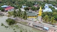 Pemerintah patut menyematkan status istimewa agar Masjid Besar Raja Haji Abdul Ghanidijaga dan dilestarikan (Foto: Wirsad Hafiz/detikcom)