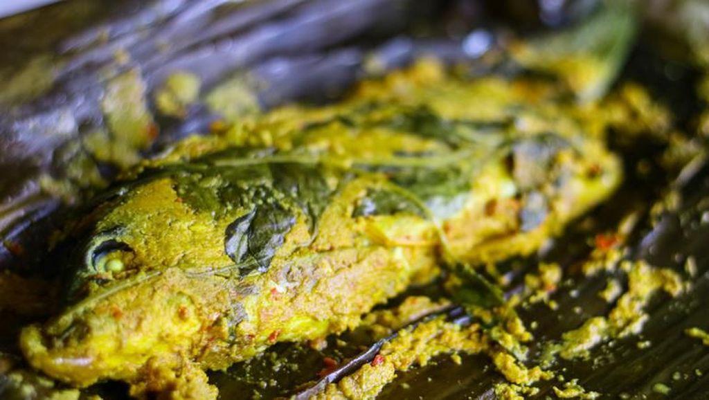 Resep Pepes Ikan Mas Pedas Khas Sunda yang Raos Pisan