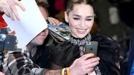 Emilia Clarke Ogah Selfie Bareng Fans, Alasannya Sungguh Manis