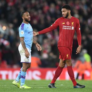 Video Momen Ribut-ribut Sterling Vs Gomez di Anfield