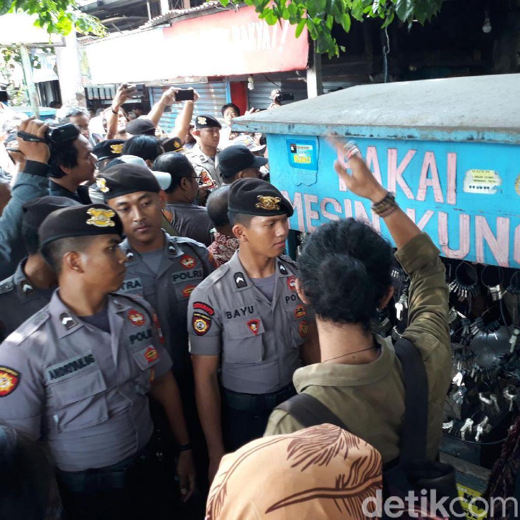 Diwarnai Protes hingga Tapa Pepe, Kios 5 PKL Gondomanan Yogya Dieksekusi