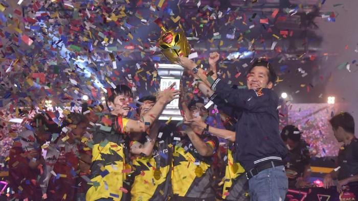 Para pemenang Grand Final UniPin SEACA 2019 (UniPin SEACA 2019)