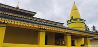 Untuk diketahui, pembangunan Masjid Raya Sultan Riau yang ada di Pulau Penyangat dibangun ada tahun 1761. Dan masjid yang ada di Pulau Buru dipercaya lebih tua dari itu (Foto: Ahmad Masaul Khoiri/detikcom)